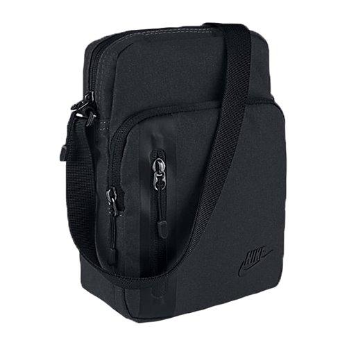 Saszetka Nike Core Cmall Items 3.0 BA5268-010 czarna